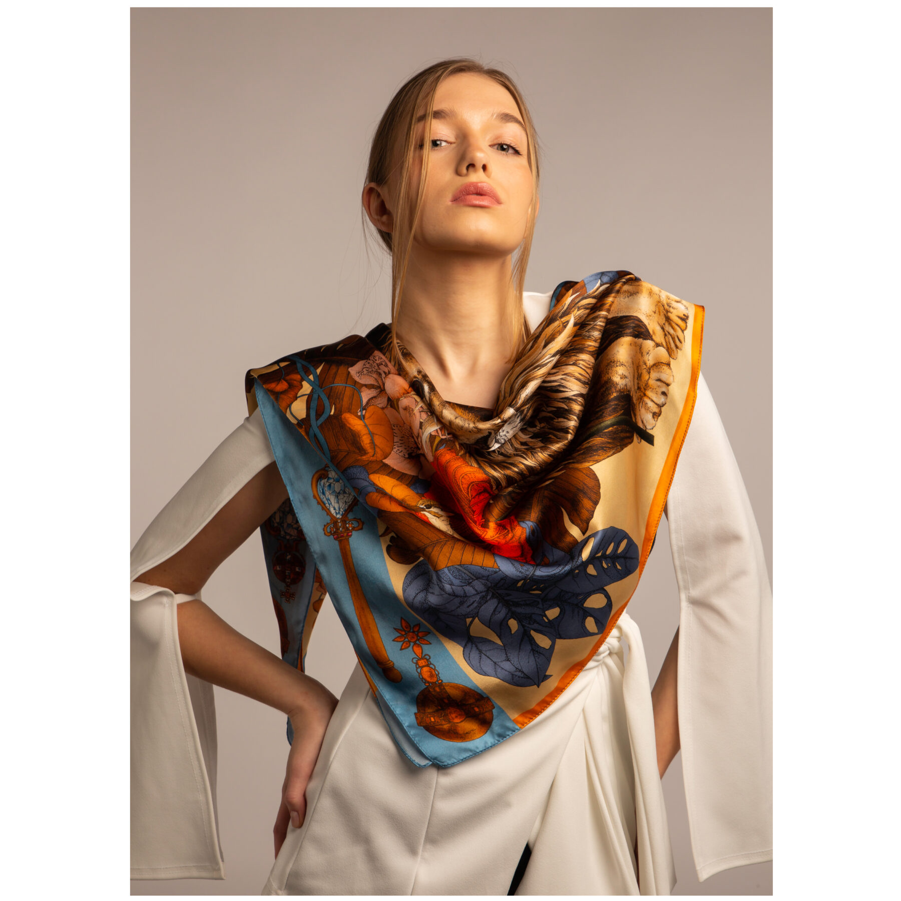 Art silk scarf The Mysterious Lion King Gold