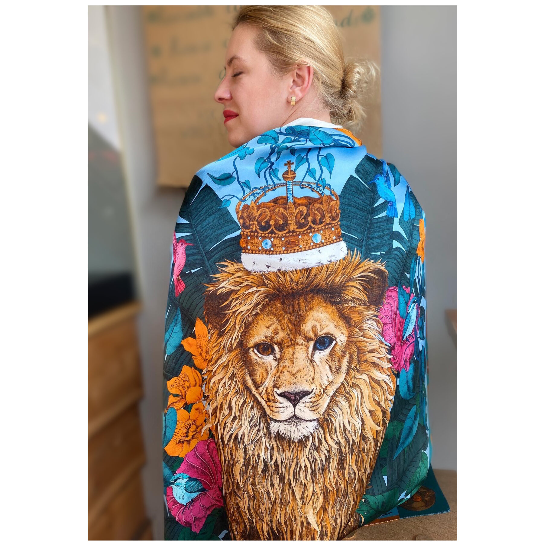 Art silk scarf The Mysterious Lion King Blue