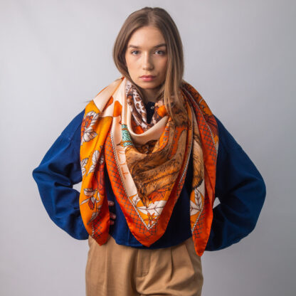 The Magic Giraffe silk scarf